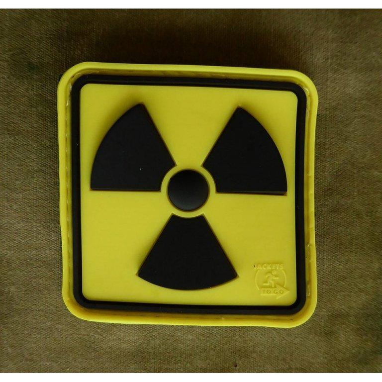 столбики фото машин со знаком радиации оленя
